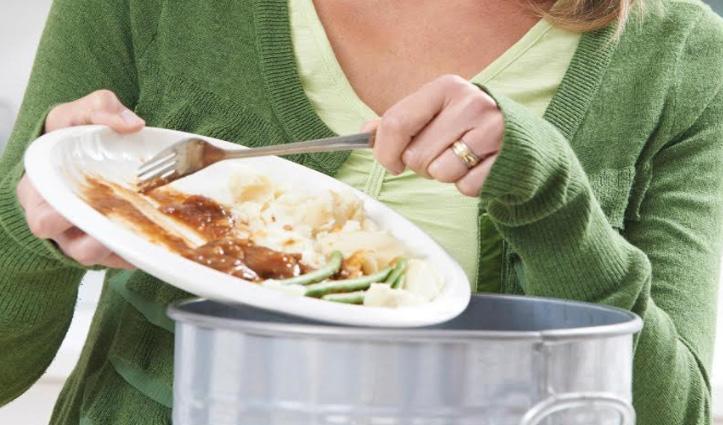 Report : भारत के हर घर में हर साल 74 किलोग्राम भोजन होता है बर्बाद