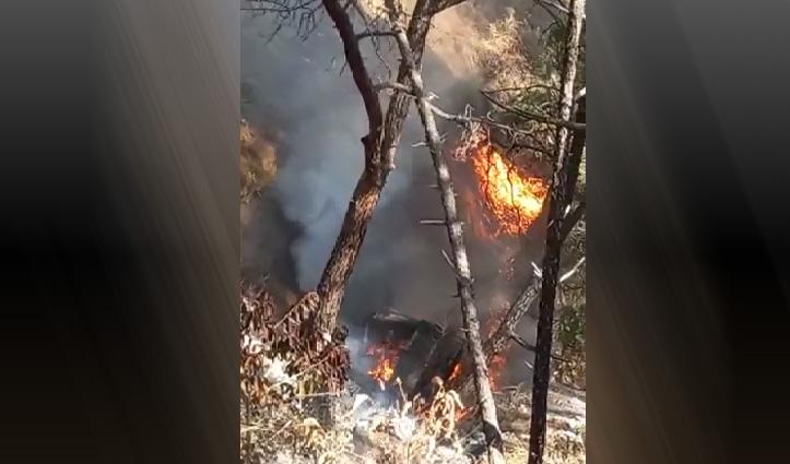Himachal: हादसे के बाद Truck में भड़की आग, शीशा तोड़कर बचाया चालक