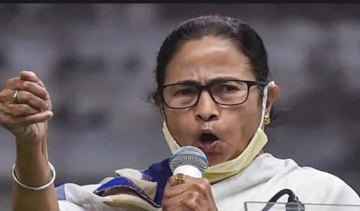 पश्चिम बंगाल चुनाव : ममता बनर्जी बोलीं- मैं भी हिंदू हूं, चंडी का पाठ कर घर से निकलती हूं