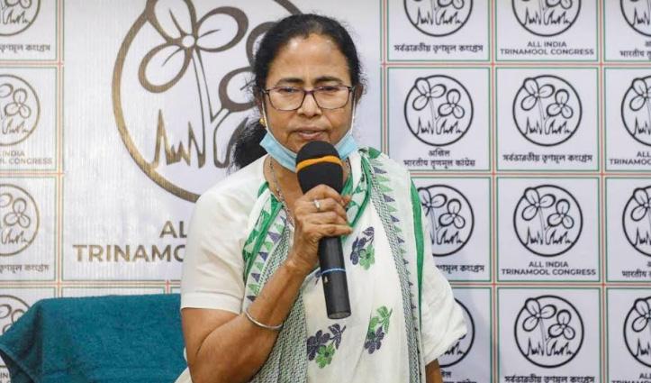 पश्चिम बंगाल चुनाव : दीदी ने फिल्मी सितारों से लेकर क्रिकेटरों को दी टिकट, कौन उतरे मैदान में