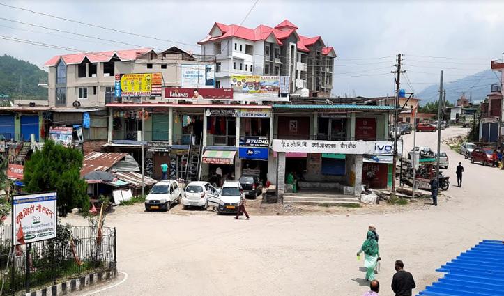 Mandi के गोहर में सरकारी भूमि पर कुंडली मारे बैठे दर्जनों लोग, कब करेगा विभाग कार्रवाई