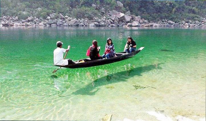 ये नदी है या आईनाः भारत से इस राज्य़ में बहती है ,यहां देखें तस्वीरें