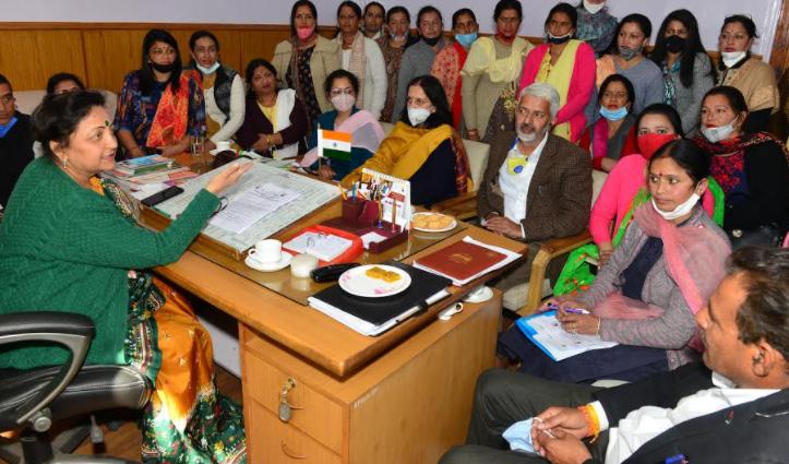 सरवीण से आंगनबाड़ी कार्यकर्ताओं की मुलाकात