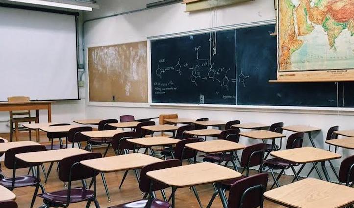 पंजाब में बढ़ा Corona का कहर : स्कूल बंद, कई इलाकों में लगा Night Curfew