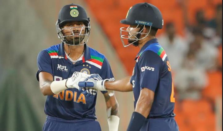 #T20Series : मोटेरा में भारत ने दिया अंग्रेजों को 125 का टारगेट, कोहली फिर शून्य पर Out
