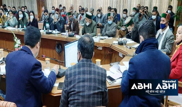 शिमला जिला परिषद की पहली बैठक में नशे पर चोट, लोगों को आवारा पशुओं से दिलाएंगे निजात