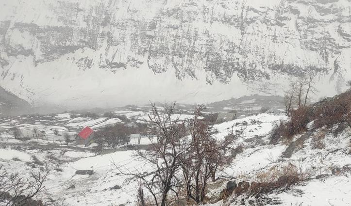 मौसम का हालः रोहतांग सहित लाहुल घाटी में बर्फबारी,  लेह मार्ग बंद