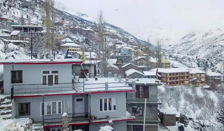 हिमाचल: ताजा बर्फबारी के बाद सैलानियों के लिए बंद हुई अटल टनल, 18 तक सताएगा मौसम