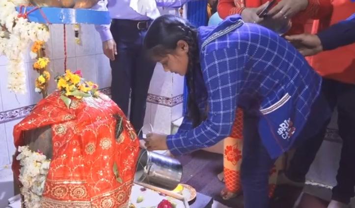 Shivaratri : बम बम भोले के जयकारों से गूंजे हिमाचल के शिव मंदिर, उमड़ा श्रद्धा का जन सैलाब