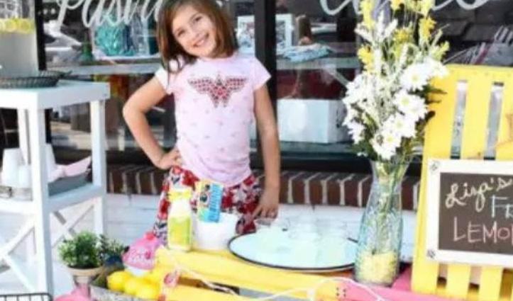 सात साल की बच्ची अपनी सर्जरी के लिए जुटा रही पैसे, बेकरी में बेच रही नींबू पानी