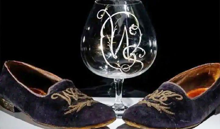 गजब! 40 लाख में बिके ये जूते आखिर  क्या हैं इनकी खासियत