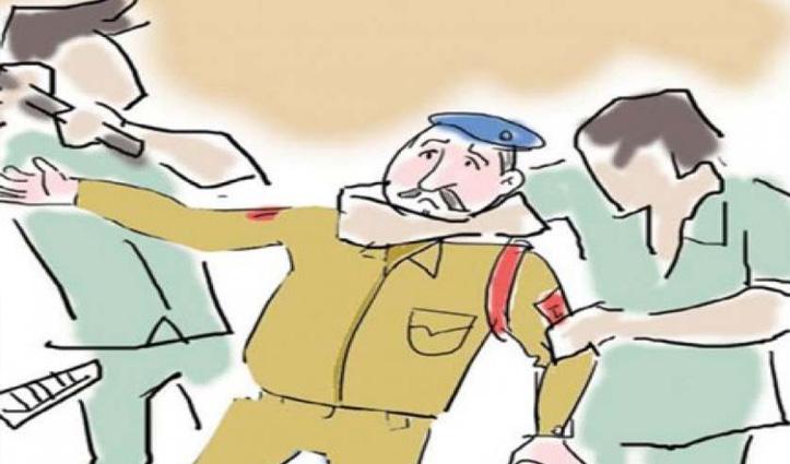 अपराधी को पकड़ने गए थे थानेदार, गांव वालों ने लाठी-डंडों से पीट-पीटकर ले ली जान