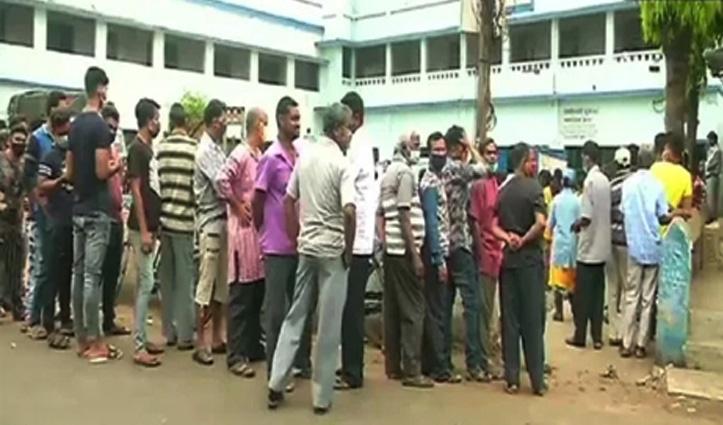 पश्चिम बंगाल में वोटिंग के बीच ही खूनी संघर्ष, कूचबिहार में चार की मौत