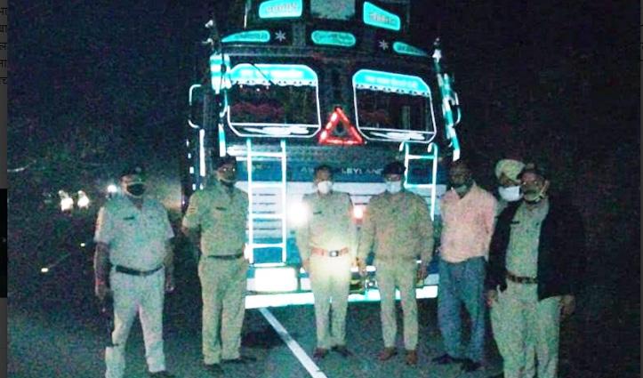 Himachal: अवैध शराब की बड़ी खेप बरामद, अंब में ट्रक से 206 पेटी पकड़ी