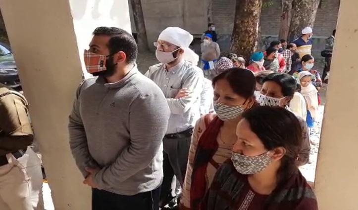 Himachal MC Election live : दोपहर 12 बजे तक धर्मशाला- पालमपुर में 28 व मंडी में 29 फीसदी हुआ मतदान