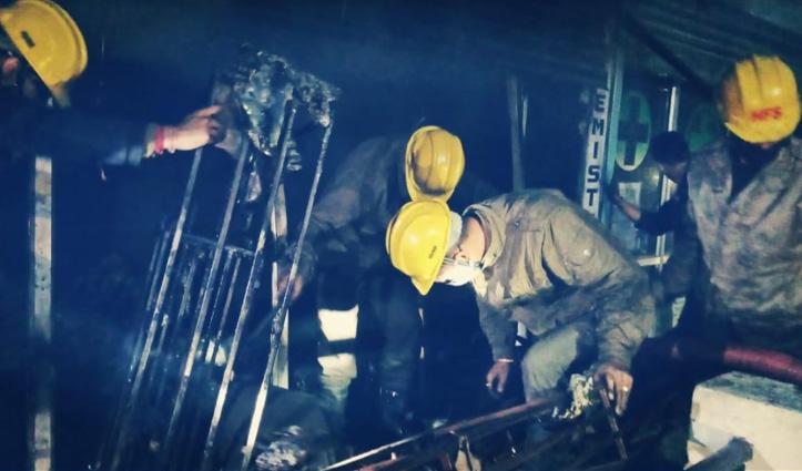पारला भुंतर में इलेक्ट्रॉनिक्स की दुकान में भड़की आग, 15 लाख का नुकसान