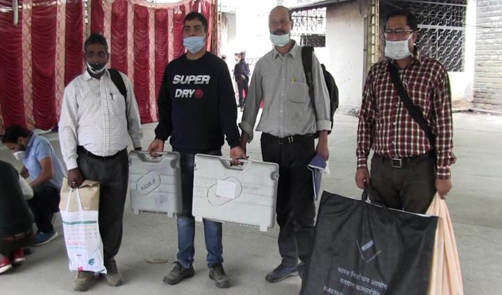 नगर निगम मंडी : चुनावों को लेकर जिला प्रशासन की तैयारियां पूरी, पोलिंग पार्टियां रवाना