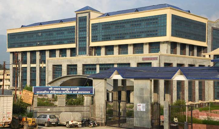 मेडिकल कॉलेज नेरचौक में बंद हो सकती ओपीडी! सिर्फ कोरोना मरीजों का होगा उपचार