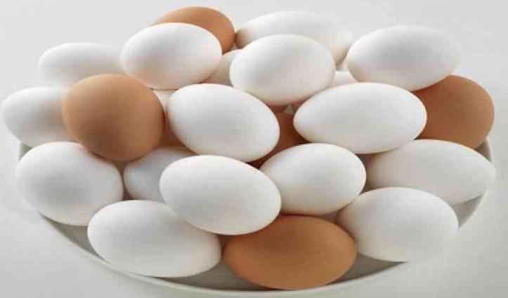कोरोना वैक्सीन लगवाने वालों को यहां मुफ्त मिल रहे अंडे, शॉपिंग मॉल में भी डिस्काउंट