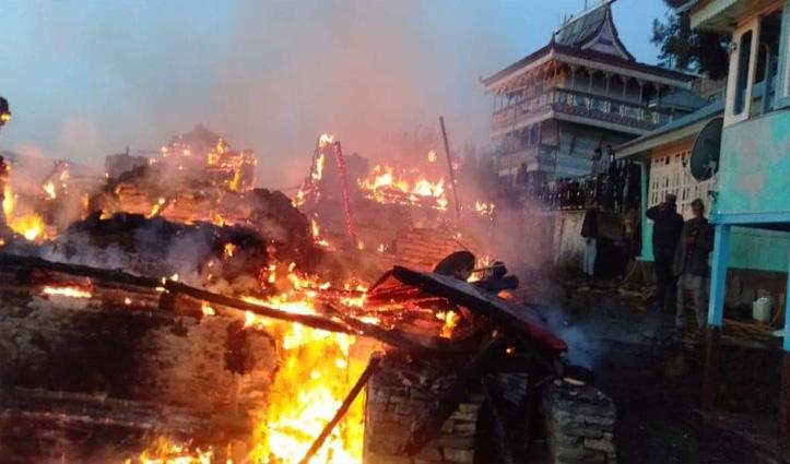 Breaking: हिमाचल में भीषण अग्निकांड,6 मकान जलकर राख-बुजुर्ग महिला की जलकर मौत