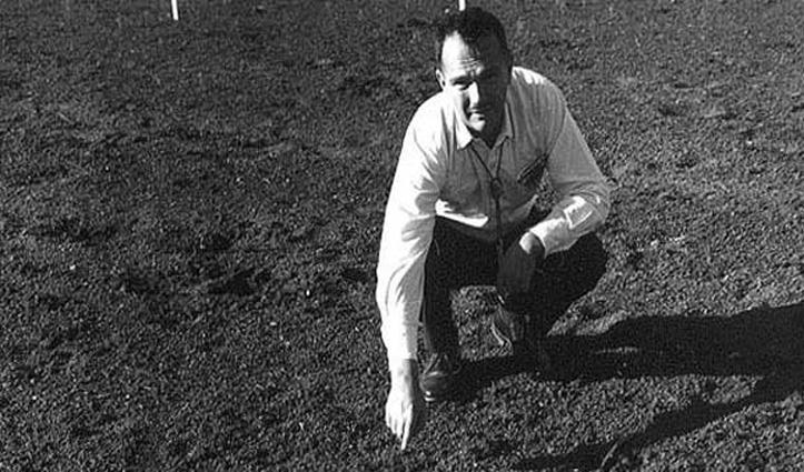यही है वो एकमात्र शख्स जिसकी अस्थियों को चांद पर दफनाया गया-आश्चर्य