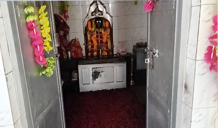 चोरों ने माता के मंदिर के गल्ले को किया साफ, नकदी लेकर फरार-Police कर रही पड़ताल