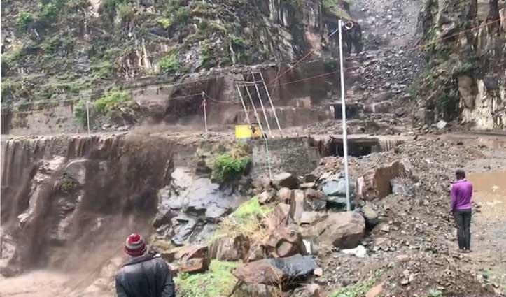 Big Breaking : हिमाचल में भारी बारिश के बीच फटा बादल-जमकर हुआ है नुकसान