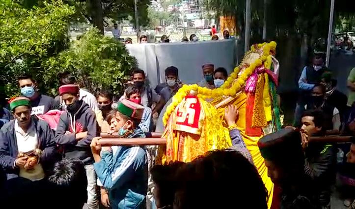सरकार की बंदिशों ने रुष्ट किए Himachal के शैला देवता ब्रह्मा-पहुंचे डीसी ऑफिस कुल्लू