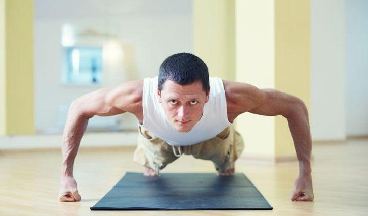 योगासन : पेट की चर्बी से परेशान लोग अपना सकते हैं चतुरंग दंडासन-वशिष्ठासन