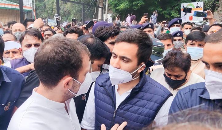 वीरभद्र सिंह को राहुल गांधी ने अर्पित किए श्रद्धांसुमन, विक्रमादित्य सिंह को सांत्वना