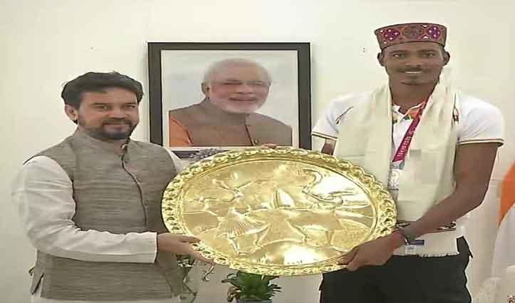 खेल मंत्री अनुराग ठाकुर से मिले निषाद कुमार