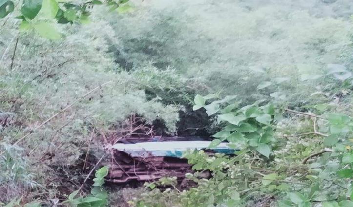 Breaking: हिमाचल में सुबह -सवेरे खाई में गिरी बस, चीखों-पुकार मची रही