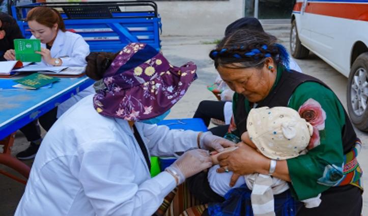 तिब्बत की चिकित्सा प्रणाली से एक सार्वजनिक स्वास्थ्य संरक्षक नेटवर्क बना