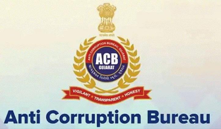 भ्रष्टाचार निरोधक ब्यूरो ने तमिलनाडु के पूर्व मंत्री वेलुमणि के घर में छापेमारी की