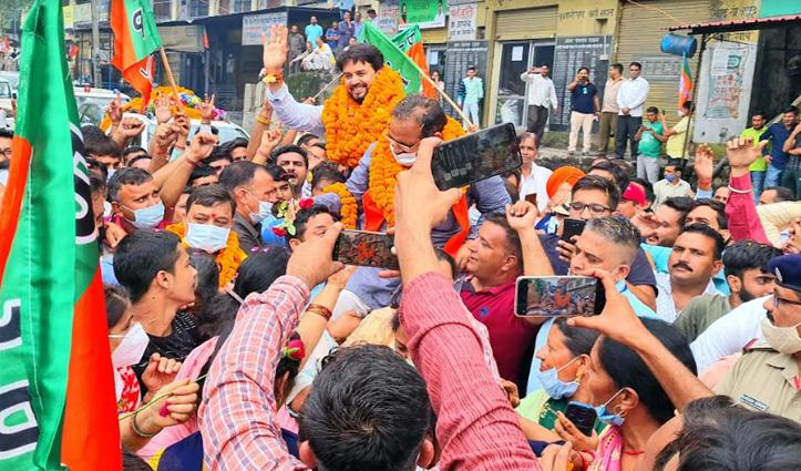 शिमला से मंडी पहुंचे अनुराग ठाकुर, जन आशीर्वाद यात्रा में मंडी उपचुनाव की जीत का किया दावा