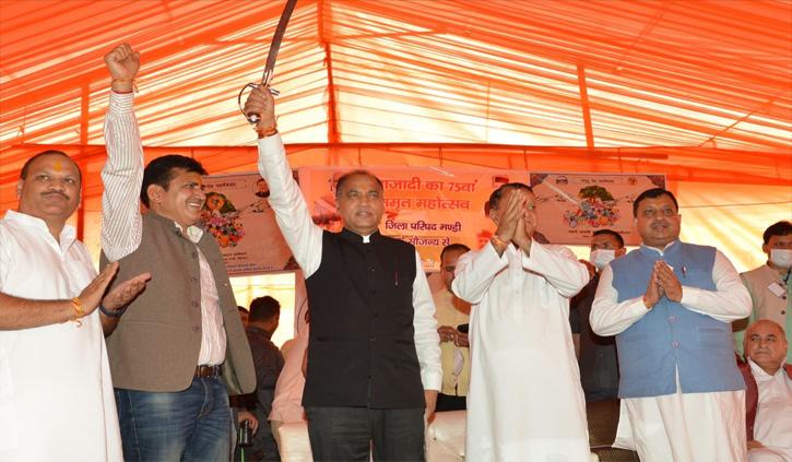 हिमाचल: सीएम का कांग्रेस पर निशाना, कहा- विपक्ष तो ऐसे बोल रहा है कि कोरोना जयराम लेकर आया है
