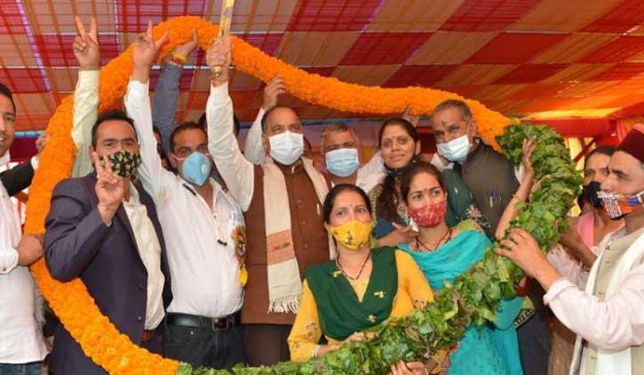 मंडी में गरजे सीएम जयराम, बोले- 'मंडी जिले को मिले ताज का सम्मान करें असफल नेता'