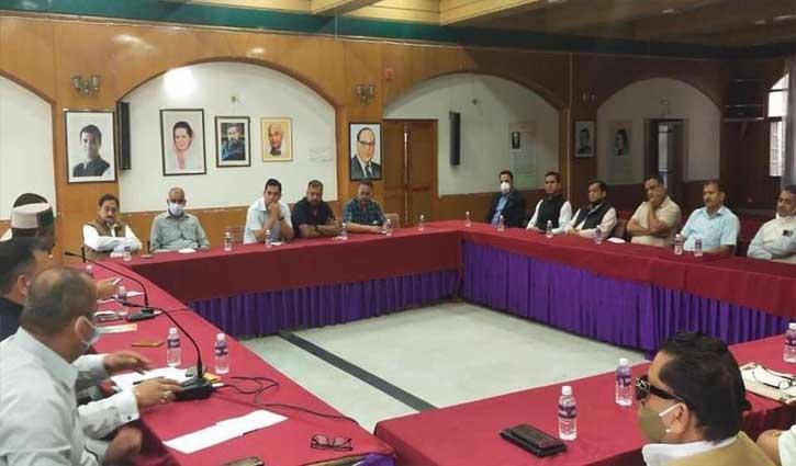 हिमाचल कांग्रेस बीजेपी सरकार की विफलताओं को उजागर करने में लेगी मीडिया का सहारा