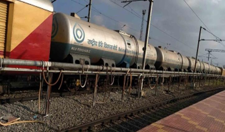 आंध्र से 'दूध दुरंतो' दिल्ली लेकर आई 10 करोड़ लीटर दूध