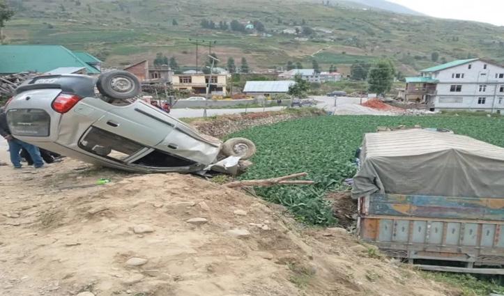हिमाचलः पहले कार को मारी टक्कर फिर खेत में जा पलटा ट्रक, चालक की गई जान