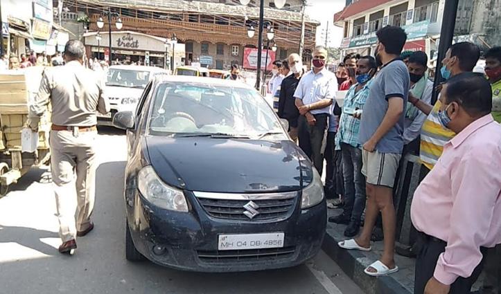 हिमाचल में पर्यटकों की गुंडागर्दी, मंडी शहर के चौहाट्टा में पुलिस से उलझे सैलानी
