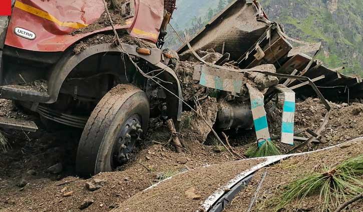 हिमाचल के किन्नौर में बड़ा लैंडस्लाइडः अभी तक 10 लोगों की मौत, 13 किए रेस्क्यू