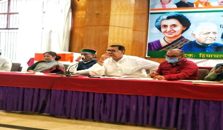 बीजेपी से दो-दो हाथ करने की तैयारी में कांग्रेस, सह प्रभारी संजय दत्त ने दिए कार्यकर्ताओं को ये टिप्स