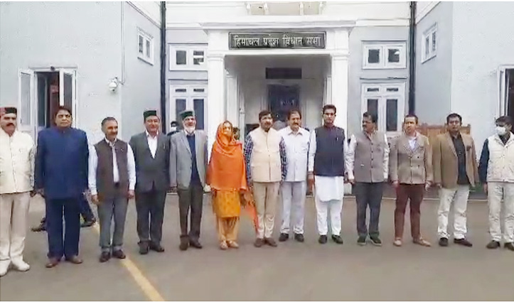 हिमाचल में कांग्रेस विधायकों की स्पीकर को हटाने की मांग खारिज