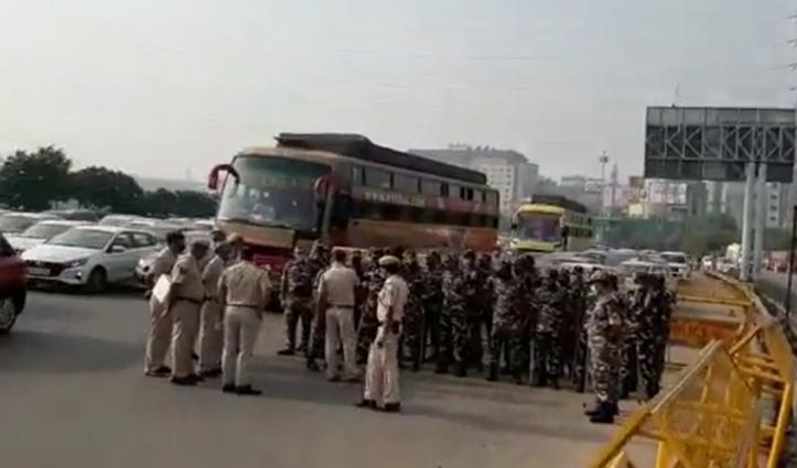 भारत बंद : दिल्ली-गुरुग्राम बॉर्डर पर ट्रैफिक जाम, पंजाब- हरियाणा में किसान सड़कों पर