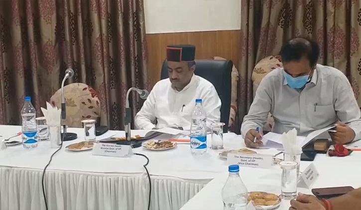 हिमाचल: रोगी कल्याण समिति की बैठक में मेडिकल कॉलेज प्रबंधन पर बिफरे अमिताभ अवस्थी