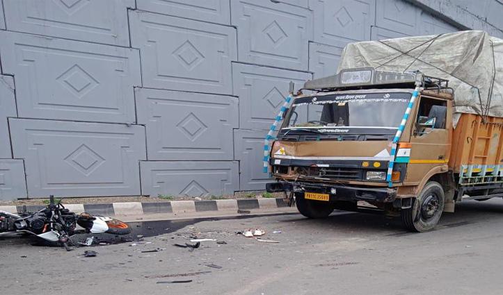 हिमाचल में कालका-शिमला एनएच पर ट्रक-बाइक में टक्कर, युवक की गई जान