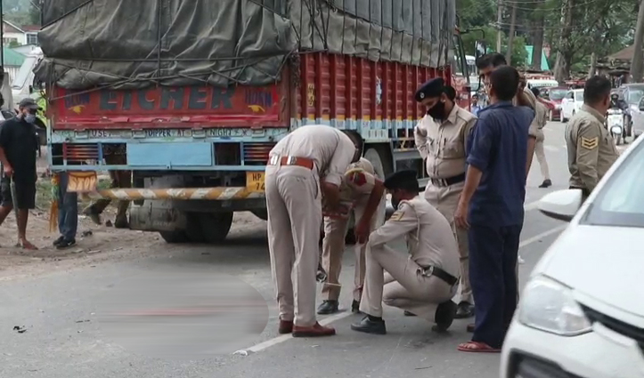 हिमाचल में दर्दनाक हादसाः सुंदरनगर में बाइक-ट्रक की टक्कर में युवती की मौत, युवक गंभीर
