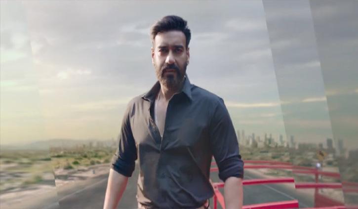 आनंद महिंद्रा ने विज्ञापन के लिए अजय देवगन का 'फूल और कांटे' स्टंट किया ट्वीट