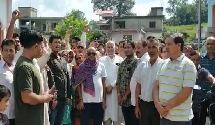 पूर्व सांसद प्रो. चंद्र कुमार ने सीएम जयराम सरकार को जमकर कोसा